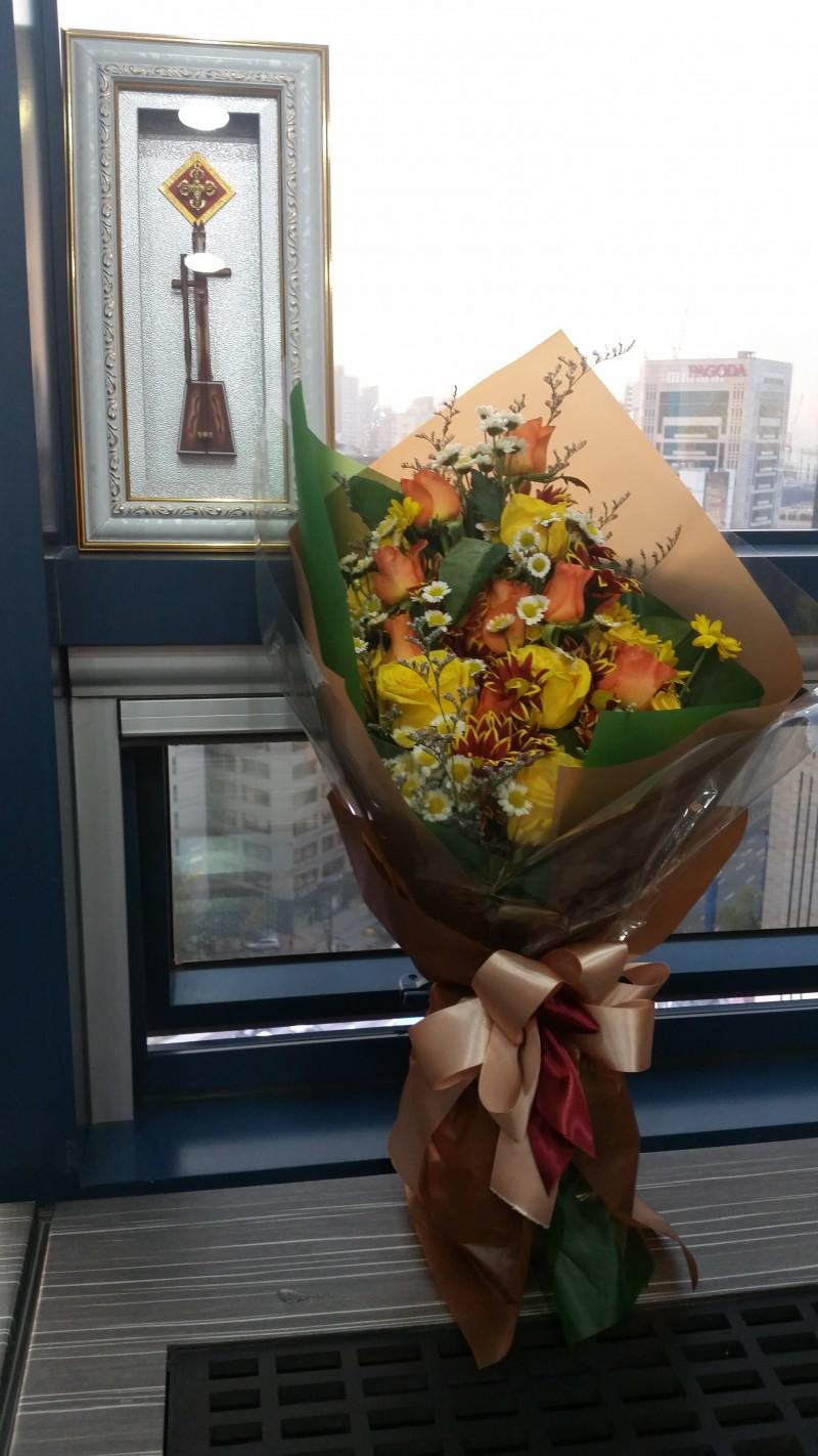 20161117_대한민국기술대상 국무총리상 기념 꽃다발.jpg